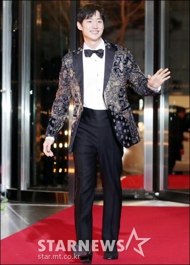 [★포토]이제훈, '멋진 턱시도 입고 등장'
