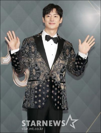 [★포토]이제훈, 'SBS 연기대상 MC'