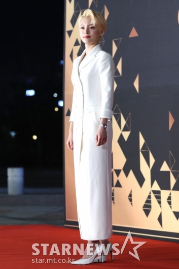 [★포토]정혜인, 금발의 매력