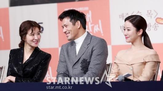 [★포토]이시영-오지호-전혜빈, '화기애애'