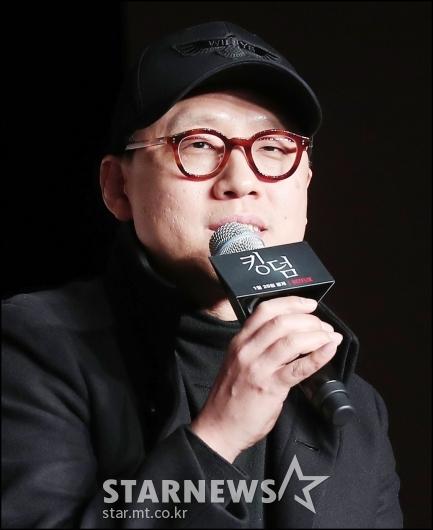 [★포토]질의에 답하는 김성훈 감독