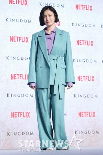 [★포토]박효주, 산뜻한 패션
