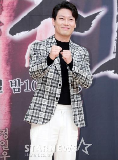 [★포토]박훈, '내가 바로 거리의 왕!'