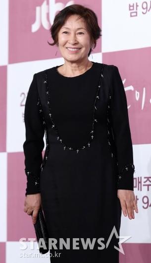 [★포토]김혜자, '국민엄마의 포근한 미소'
