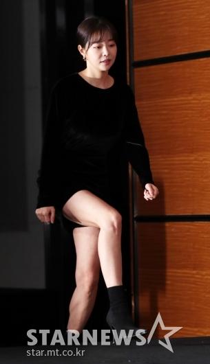 [★포토]김가은, '미니스커트 입고 사뿐'