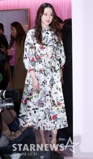 [★포토]손연재, '화사한 꽃무늬 원피스 입고 등장'