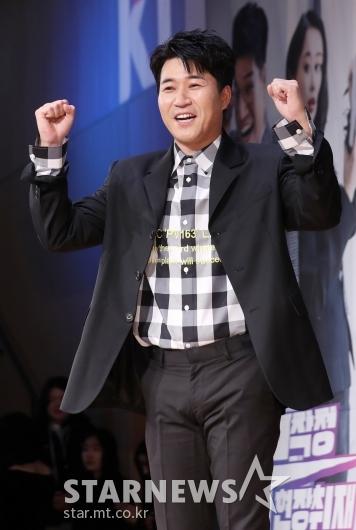 [★포토]김종민, '무작정 현장취재!'