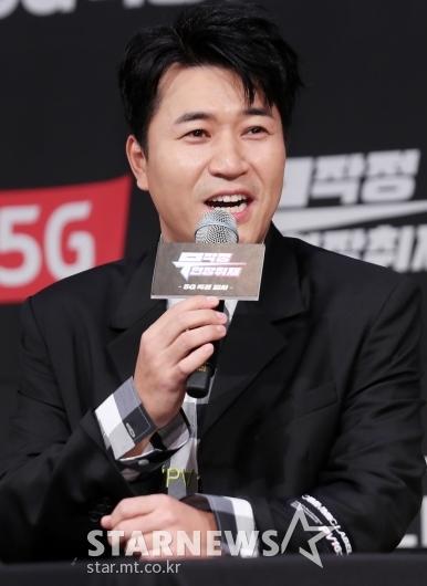 [★포토]김종민, '특종 열심히 찾았습니다'