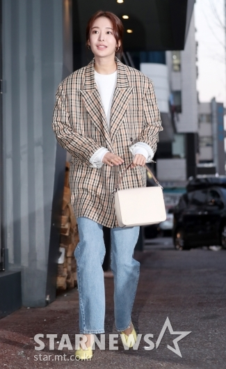 [★포토]정유진, '봄이 느껴지는 패션'