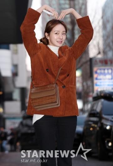 [★포토]박규영, '머리 위 귀여운 하트'
