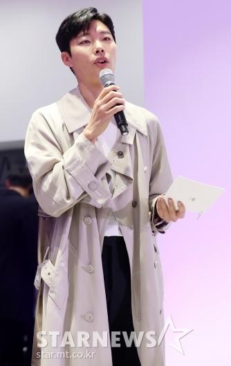 [★포토]류준열, 캐딜락 'REBORN CT6'를 소개합니다!