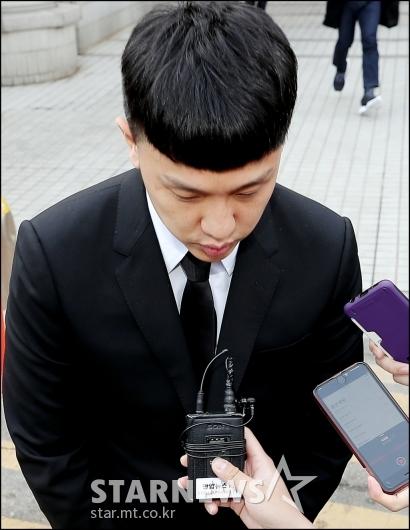 [★포토]고개숙인 '마약 혐의' 쿠시