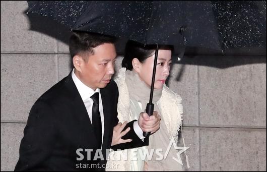 [★포토]정주영 명예회장 제사 참석하는 노현정