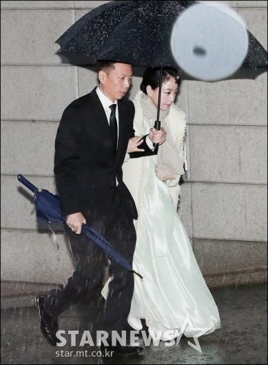 [★포토]노현정, '남편과 故 정주영 명예회장 제사 참석'