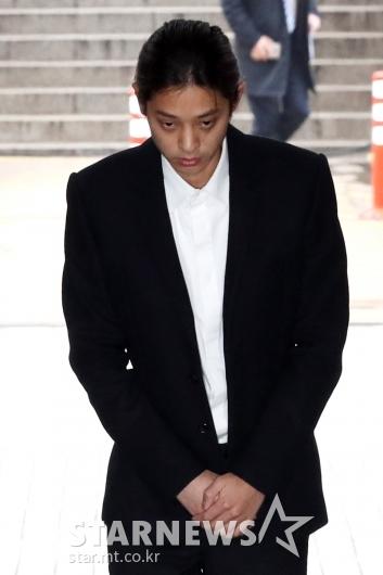 [★포토]법원 들어서는 정준영