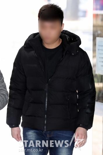 [★포토]영장실질심사 출석하는 '아레나' 폭행사건 보안요원