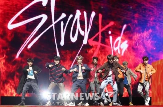 [★포토]스트레이키즈, '더욱 더 강렬해진 무대'