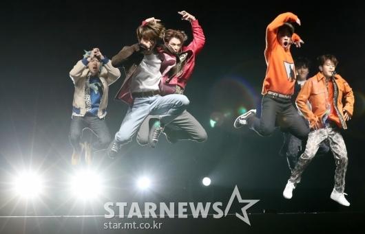 [★포토]스트레이키즈, '뮤직비디오 찢고 나온 소년들'