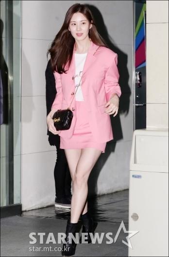 [★포토]서현, '눈에 띄는 핑크 패션'