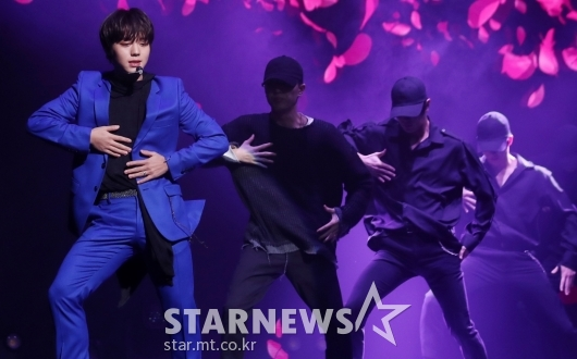 [★포토]박지훈, '몽환적 그림자 댄스'