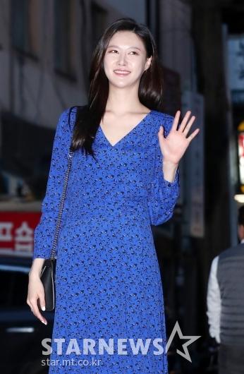 [★포토]문수빈, '봄이 찾아온 손인사'