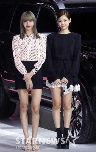 [★포토]리사-제니, '서울모터쇼 왔어요'