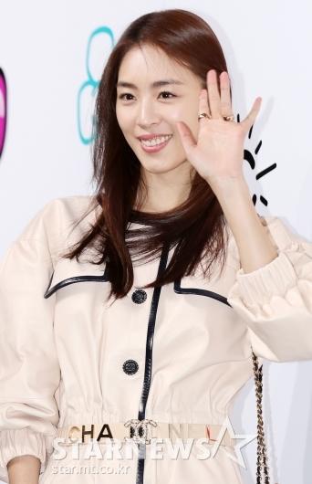 [★포토]이연희, '진짜 손바닥만 한 얼굴'