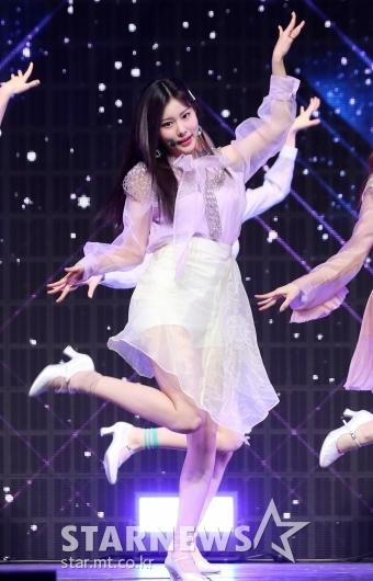 [★포토]강혜원, '훨훨 날아갈듯'