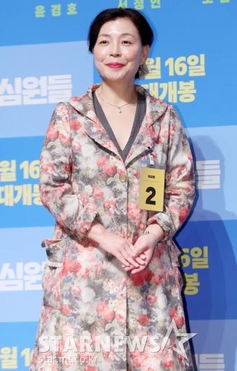 [★포토]김미경, '화사한 꽃무늬 자켓'