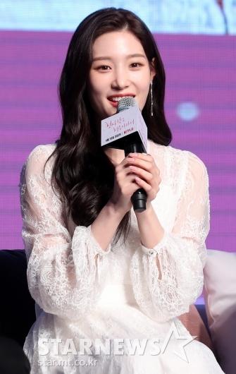 [★포토]정채연, '사랑스러운 송이'