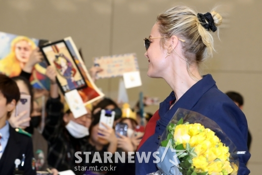 [★포토]브리 라슨 '팬들 환호에 미소로 화답'