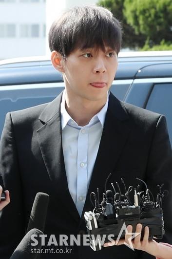 [★포토]경찰 출석한 '마약 혐의' 박유천