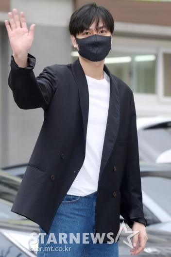 [★포토]이민호, 소집해제 앞두고 팬들에게 인사
