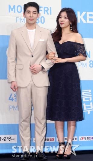 [★포토]김사권-이채영, '잘 어울리나요?'