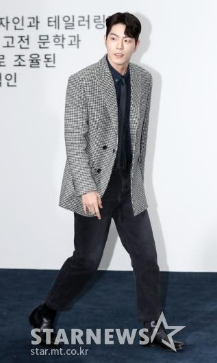 [★포토]홍종현, '모델 출신의 우월 기럭지'