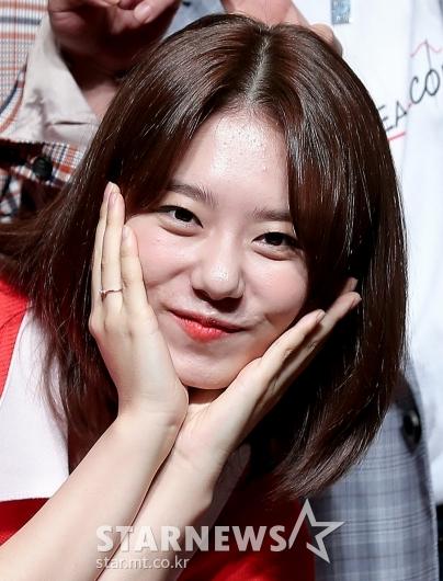 [★포토]김소혜, '예쁜 내 얼굴'