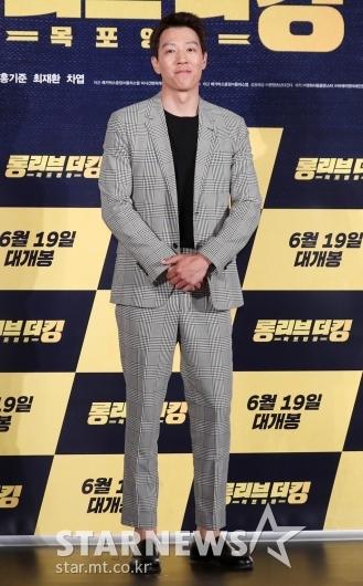 [★포토]김래원, '딱 떨어지는 수트 핏'