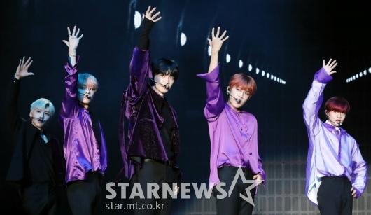 [★포토]AB6IX, '완성형 아이돌 데뷔!'