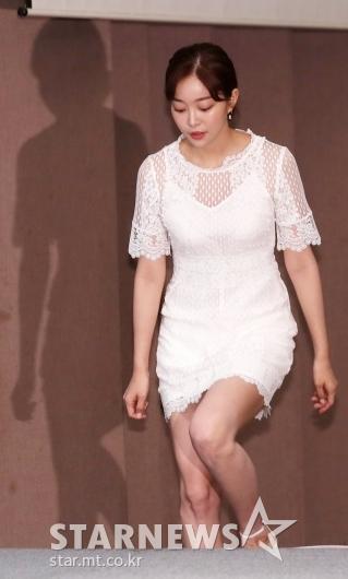 [★포토]김가은, '화이트 시스루 입고 섹시한 분위기'