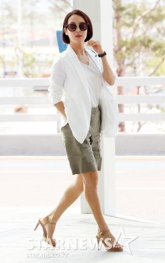 [★포토]조여정, 더운 날씨에 대비한 시원한 패션