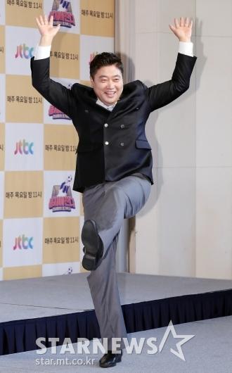 [★포토]양준혁 '만세 슛'