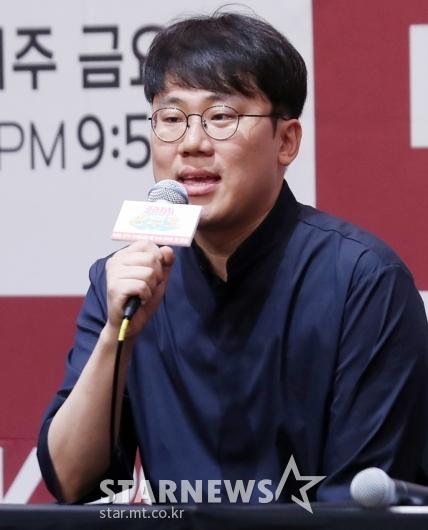 [★포토]인사말하는 양혁 PD