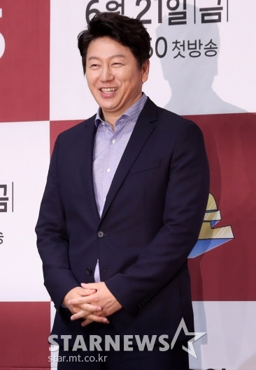 [★포토]김수로, 구단주의 여유 넘치는 미소