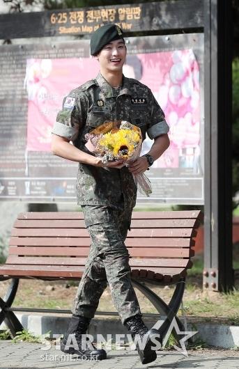 [★포토]김수현 '특급전사의 늠름한 발걸음'