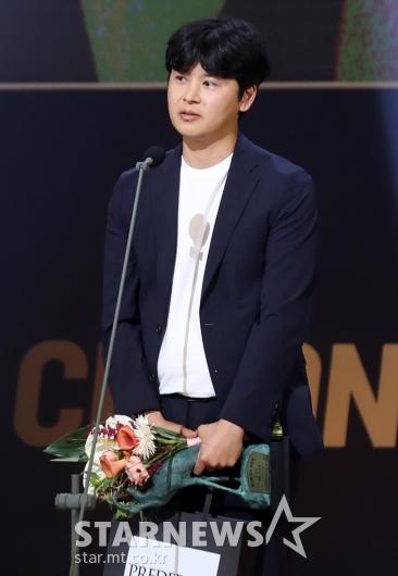 [★포토]피대성 감독, 춘사영화제서 '기술상' 수상