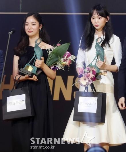 [★포토]전여빈-진기주 '춘사영화제 신인여우상'