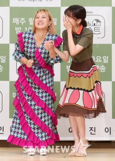 [★포토]박나래-정소민 '손만 잡아도 꺄르르'