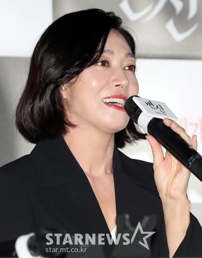 [★포토]장영남 '알뜰살뜰 평범한 엄마'