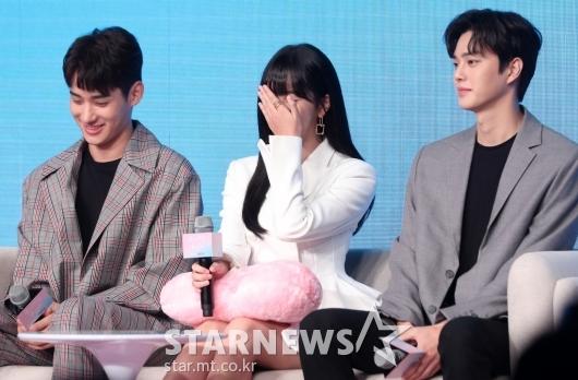 [★포토]김소현 '정가람-송강 사이에서 부끄부끄'