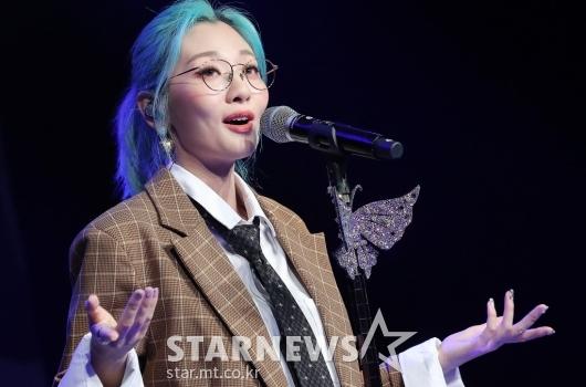 [★포토]안지영 '빠져드는 목소리'